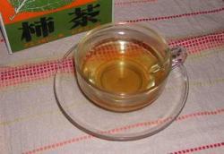 ほのかに甘い柿茶です。